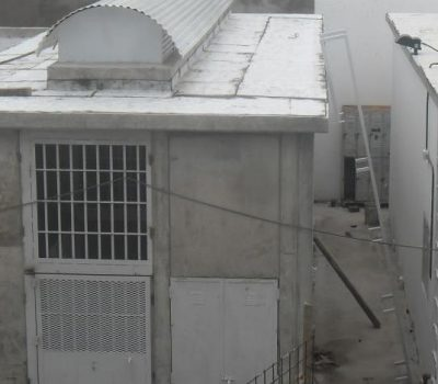 Amenazas de huelgas de hambre, altercados entre los detenidos y 23 personas conviviendo en un pequeño calabozo, es el panorama que debe afrontar la Unidad Regional VI. Hoy habrá una audiencia de habeas corpus para definir el traslado de los privados de su libertad.