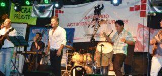 La Dirección de Turismo conjuntamente con un grupo de artistas locales realizará el domingo por la noche un espectáculo musical destinado a recolectar donaciones para los damnificados por las inundaciones. Se llevará cabo a partir de las 20 en el predio del Pre Cosquín.