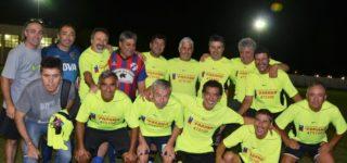 La divisional para futbolistas mayores de 50 años dio puntapié inicial a su temporada, con el tradicional torneo de verano contando con la participación de nueve elencos que se juntan cada viernes y martes para compartir noches entre amigos.
