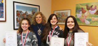 Alumnas de la profesora María Cristina Espasandín cosecharon nuevos galardones en el exterior, en esta oportunidad en el 29ᶛ Concurso Internacional de Arte Infantil 2017.