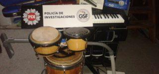 Ayer la PDI villense allanó una vivienda situada en Bolívar 50 y halló numerosos elementos sustraídos en distintos hechos y hasta un auto robado en Rosario. Hay un detenido.