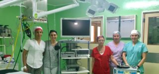 Fue este viernes, durante un acto del que participó el ministro de Salu, Miguel González. Se trata de un equipo de vídeo de laparoscopía de última generación que significa un salto de calidad para los pacientes que permitirá una recuperación más rápida en las cirugías.