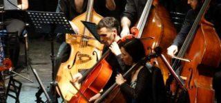 La reconocida orquesta rosarina brindará un nuevo concierto a beneficio de AVLPI-RI, en el Club Social. En la oportunidad, interpretará obras de Antonio Vivaldi, Johann Friedrich Fasch, y Joseph Haydn.