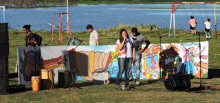 Colectivo Churrinche vuelve a la costa del Paraná, esta vez con el ciclo que se extenderá hasta febrero. La primera propuesta estará destinada al folklore del Litoral, y será este domingo a las 17 con entrada libre y gratuita.
