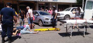 Tres motociclistas lesionados fue el saldo de dos colisiones entre motos y automóviles, uno ocurrida el viernes y la otra el sábado, en ambos casos en horas de la mañana. La primera en 14 de Febrero y Brown, la segunda en San Martín al 1300.