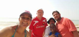 Jessica Salcedo y su esposo David Ramírez vivieron una experiencia de esas que sin dudas cambian la vida. En diciembre, viajaron a Guinea Bissau para visitar a una pareja de amigos, también villenses que se radicaron allí en 2010, Flavia Muñoz y Juan Gómez.