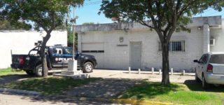 En la madrugada del martes un vecino alertó sobre la presencia de un individuo en actitud sospechosa en cercanía de la estación de servicios YPF de Empalme. Cuando llegó un móvil policial el sujeto emprendió una veloz huida en una moto, pero fue perseguido y atrapado en Pavón.