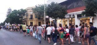 Cientos de personas marcharon el jueves en nuestra ciudad por el Día Internacional de la Mujer como una muestra contundente de lucha y toma de conciencia. Al día siguiente tuvo lugar el reconocimiento de mujeres de Villa Constitución, en el acto organizado por el Consejo Municipal de la Mujer.