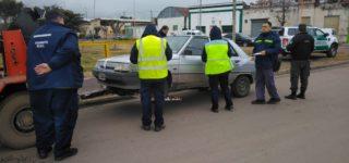 Ante los reclamos de los vecinos personal del escuadrón Villa Constitución de Gendarmería realizó operativos de identificación de vehículos y personas en dos de los barrios de la zona norte de nuestra ciudad.