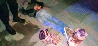 En la madrugada de ayer un joven ingresó a un local comercial de Daniel Segundo al 2700 y tras provocar destrozos se llevó varios cortes de carne. Personal policial lo atrapó minutos después a 5 cuadras y constató que se trataba de un malvivientes con amplio prontuario.