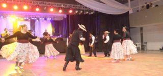 La peña Braulio Areco se desarrolló el sábado en el pueblo del cual es oriunda Soledad Pastorutti. El ballet del CEATE fue invitado a participar junto al grupo Yanapay, deslumbrando a todos los presentes.