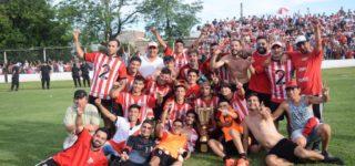 """La Academia se quedó con el torneo Clausura """"Juan Manuel Papaleo"""" tras igualar en la cancha de Unión por 1 a 1 con gol de Darwin Barreto. De esta manera, sumó su 13º título de la Liga Regional del Sud y alcanzó la gloria tras 15 años."""