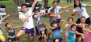 La colonia que organiza el Municipio a través de su área de Deporte y Juventud, articulada con el Club Náutico Bartolomé Mitre, comenzó el jueves 3 de enero y en su primera edición cuenta con 140 niñas y niños siendo parte de esta nueva propuesta pública para el verano.