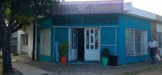 Delincuentes forzaron el ingreso de un local comercial situado en Daniel Segundo y Córdoba, y se llevaron gran cantidad de mercadería. El hecho se torna repetido en la historia de este negocio.