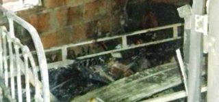 Una prolongación eléctrica defectuosa habría sido el origen de las llamas que tomaron una habitación de una precaria vivienda situada en Cochabamba al 400. Al momento de siniestro la casa estaba vacía por lo que no hubo que lamentar víctimas pero las pérdidas materiales son importantes.