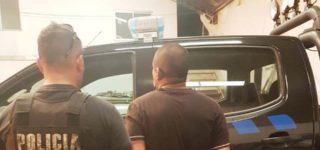 A principios de noviembre dos individuos, uno de ellos portando un revólver, asaltaron una agencia de loterías y su accionar quedó registrado por las cámaras de seguridad. En base a esas imágenes el personal de la PDI concluyó que es uno de los delincuentes que el miércoles de la semana pasada efectuó la fallida entradera en barrio Altamira y que le disparó a un vecino.