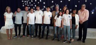 """La Mutual Solidaria estuvo presente en el cierre del ciclo lectivo de la escuela """"Tomás Guido"""", en donde estudiantes que desde 2018 reciben una beca fueron seleccionados como escoltas en las banderas Nacional y Provincial."""