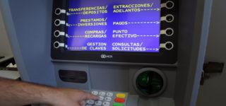 Esto se suma a otras prestaciones de servicios bancarios, como la carga de cajeros automáticos y el otorgamiento de créditos.