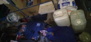 En la madrugada del martes tres jóvenes violentaron la reja de una ventana y accedieron al interior de un local dedicado a la venta de artículos de limpieza. Un vecino vio lo que ocurría y llamó al 911. En pleno robo los delincuentes fueron capturados por personal de Comando Radioeléctrico.