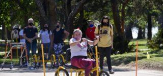 Semanas atrás, el Municipio firmó un convenio con la Fundación Jean Maggi mediante el que adquiere bicicletas adaptadas para personas con diferentes niveles de discapacidad motriz. En este marco, el lunes se realizaron en Cilsa pruebas para los beneficiarios, que recibirán gratuitamente el rodado.