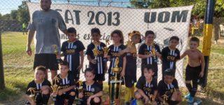 La categoría 2013 de la institución villense venció 1 a 0 a San Martín del Valle en la final de un certamen organizado por Boca de San Nicolás y gritó campeón.