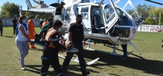La cancha de Riberas del Paraná ofició de helipuerto en el marco de un simulacro efectuado para demostrar la velocidad y la operatividad de transportar por aire pacientes en situaciones de emergencias a centros de salud que cuenten con mayor complejidad para atenderlos.